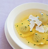 Ravioli in chicken broth (Savoy)