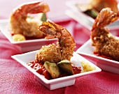 Breaded and fried prawns with a dip