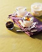 Eier im Glas mit Kaviar