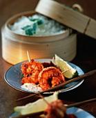 Tandoori-Garnelen mit Limetten und Reis (Asien)