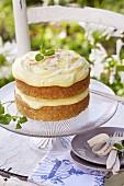 Pastinaken-Zitronen-Kuchen mit Mandelblättchen und Lemon Curd