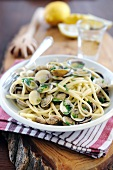 Linguine with clams in a parsley and white wine sauce