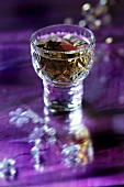 Thymianlikör im Kristallglas