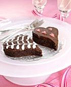 Herzförmige Brownies zu Valentinstag
