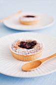 Cardamom cakes with blackberries (Sweden)
