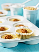 Mini cheese cake with pecan nuts