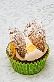 Fairy Cake mit Vanillecreme und Puderzucker