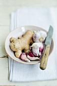 Root ginger and garlic