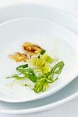 Lettuce soup (Romania)