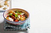 Pancetta mit Bohnen, Tomaten und Mozzarella