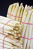 Bunches of white asparagus