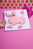 Pink-Pudel-Kuchen für die Kinderparty