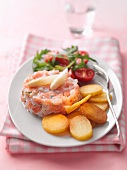 Salmon tartar with asparagus and potatoes