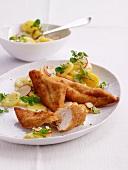 Backhähnchen mit Kartoffelsalat und Kresse