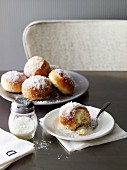 Doughnuts with ricotta and lemon filling