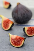 One whole fig and quartered figs