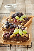 Carrot tart with grapes