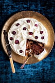 Beetroot cake with pecan nuts and cream cheese