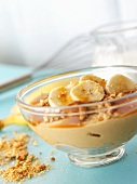 Butterscotch with bananas (English dessert)