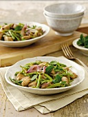 Tuna with green beans and mint