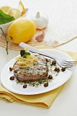 Tonno al limone e capperi (tuna with lemons and capers)