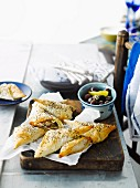 Filo pastry parcels with onions and halloumi (Greece)