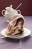 Ring cake with poppyseed and cranberry filling