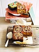 Früchtekuchen mit Earl Grey und Mandeln