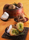 Potato croquettes filled with peas (India)