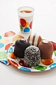 Chocolate marshmallows and ice tea