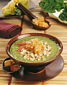 Spinach soup with prawns and croutons (Indonesia)
