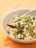 Macaroni with cheese and asparagus