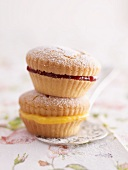 Cupcakes filled with jam and lemon curd