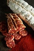 Chorizo und geräucherte Paprikasalami