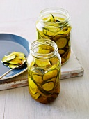 Preserved courgette slices