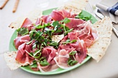 Prosciutto, piadina e rucola (Parma ham, pita bread and rocket)