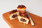 Cupcakes with an almond and chocolate filling