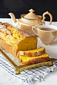 Carrot and orange cake with tea