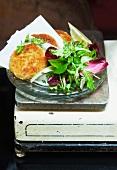 Tuna fishcakes with salad leaves