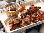 Gegrillte Hähnchenflügel mit Barbecuesauce