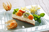Cream cheese cake with mint and exotic fruit