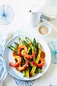Green asparagus with prawns and sesame sauce