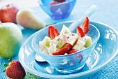 Fruit salad with yoghurt sauce