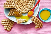 Oat wafers with sauce