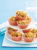 Crispy cakes with cornflakes, crisped rice and peanuts