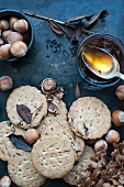 Wholemeal biscuits, hazelnuts and honey