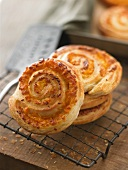 Puff pastry whirls with cheese