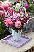 Sommerlicher Blumenstrauss im Garten