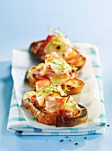 Crostini with smoked ham and Raclette cheese