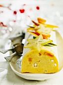 Ice cream cake with mango and starfruit (Christmassy)